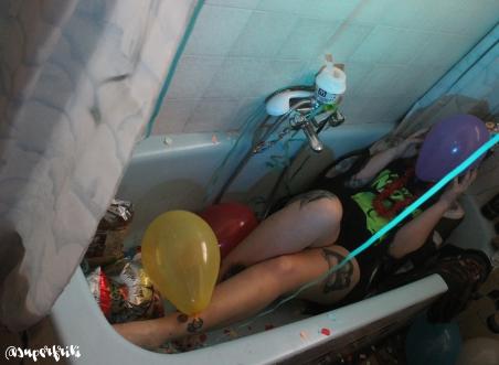bath_party